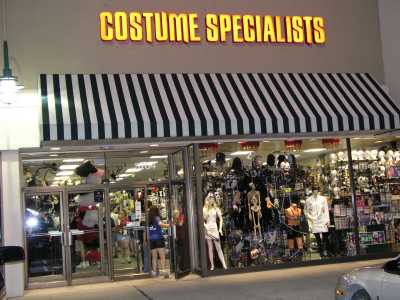 2004 Midwest Haunter\'s Convention - Costume Specialists - Picture