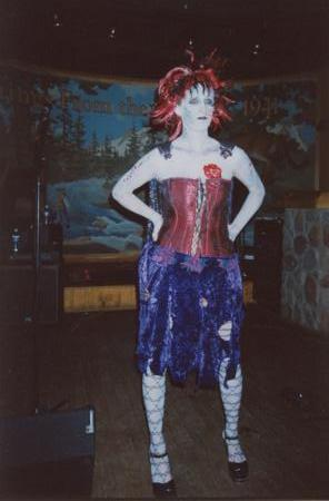 2005 Midwest Haunters Convention - Masquerade Party - Picture