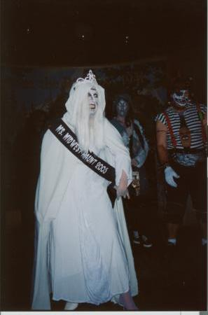 2005 Midwest Haunters Convention - Masquerade Party - New Ms. Midwest Haunt Anne Marie Gavinski - Picture