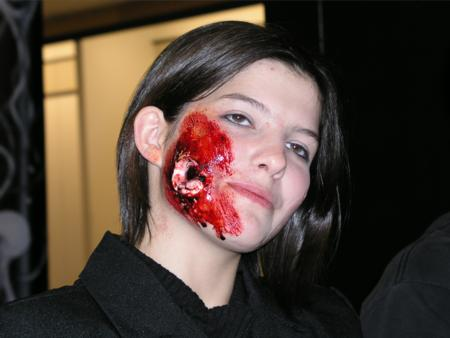 2005 ScreamFest Seminars - Hand Applied Make-up: Oozing Sore - Picture