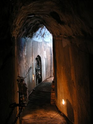 Raven\'s Grin - One of the Raven\'s Grin Tunnels - Picture