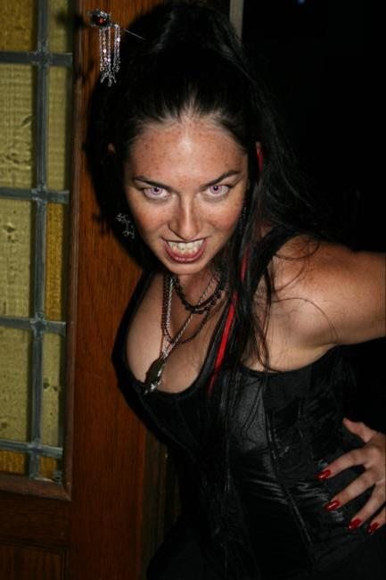 2008 Midwest Haunters Convention - Club Vampire - Picture