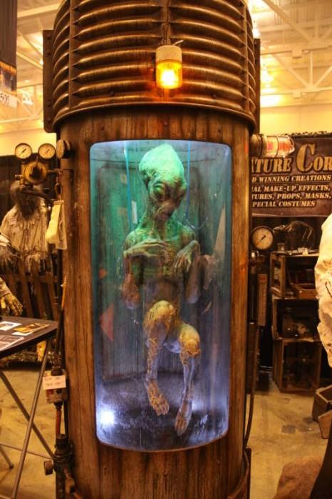 2010 Transworld Vendors  - Creature Corps