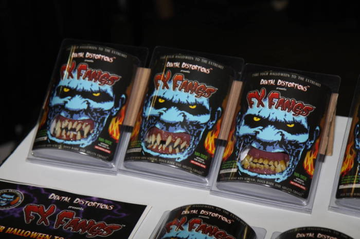 2011 MHC - The Show Floor  - Dental Distortions
