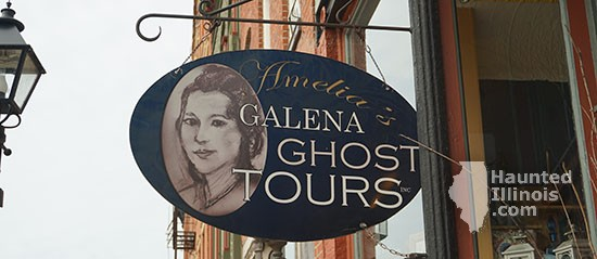 HauntedIllinois.com - Jennifer Drendel's review of Amelia's Ghost Tours Haunted Pub Crawl (Galena, Illinois).