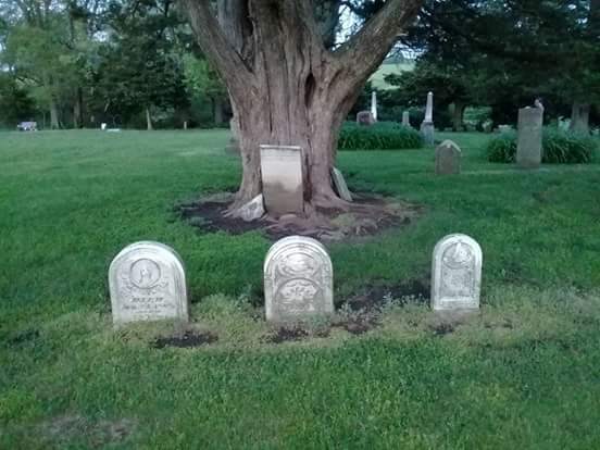 HauntedIllinois.com - Read our review of haunted Sugar Tree Grove Cemetery in Monmouth, Illinois by Nicole Conger, investigator from Rock Island Paranormal.
