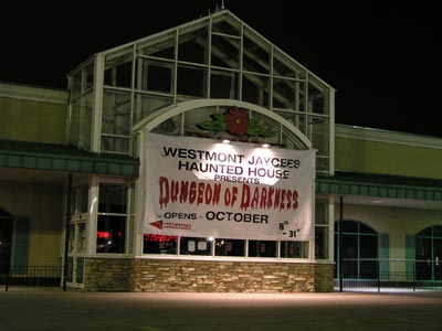 Dungeon of Darkness Haunted House - (Downers Grove, Illinois) - Picture