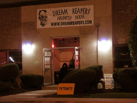 Dream Reapers Haunted House - (Melrose Park, Illinois) - Picture
