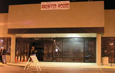 Lombard Jaycees Haunted House - (Lombard, Illinois) - Picture