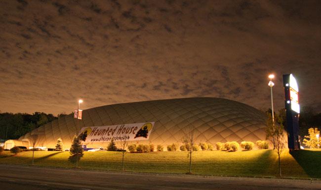 Ditka Sports Dome - (Bolingbrook, Illinois) - Picture