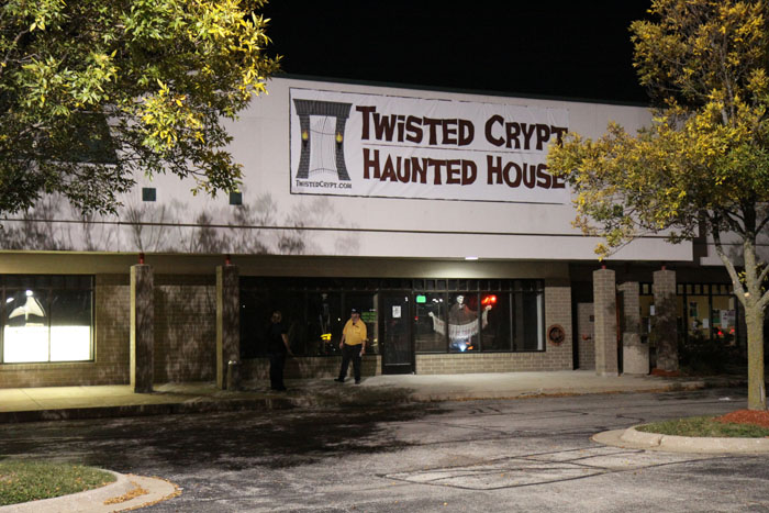 Twisted Crypt Haunted House - (Rockford, Illinois) - Picture