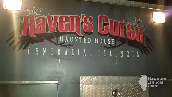 2017 Raven\\\'s Curse Haunted House - 2017 Raven\\\'s Curse Haunted House (Centralia, IL) - Picture