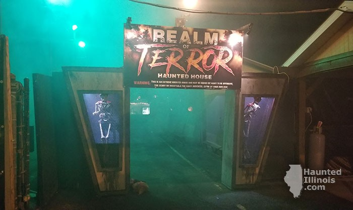 2017 Realm Of Terror Haunted House - 2017 Realm Of Terror Haunted House (Round Lake Beach, IL) - Picture