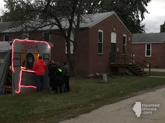 2017 Shadows Realm Haunted House - 2017 Shadows Realm Haunted House (Galesburg, IL) - Picture