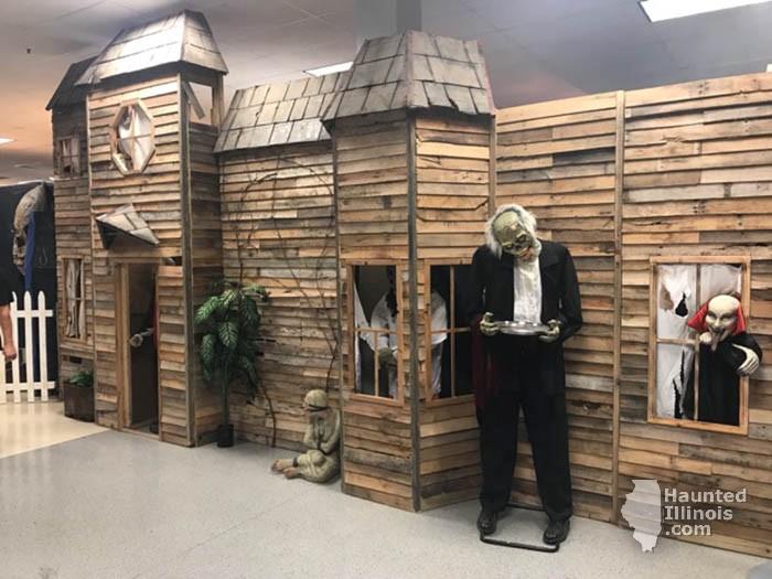 2017 The Scream Haunted Adventure - 2017 The Scream Haunted Adventure (Forsyth, IL) - Picture